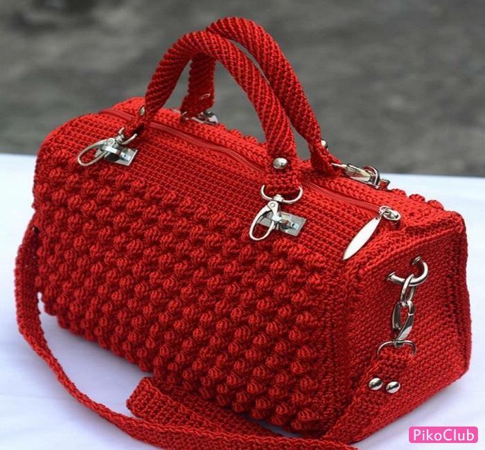 сумочка из шишечек